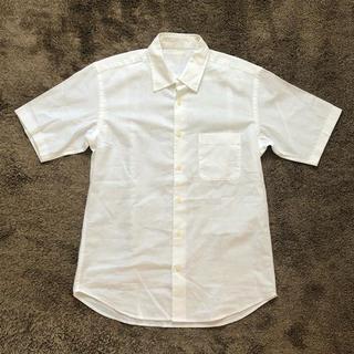 ジーユー(GU)のメンズ半袖シャツ リネンシャツ ホワイト(シャツ)