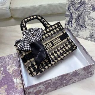 "Dior - ★DIOR★ ディオール オブリーク"" キャンバス バッグ BOOK TOTE"