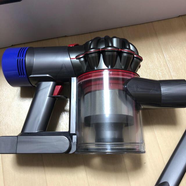Dyson(ダイソン)のDyson V7 Slim SV11 SLM スマホ/家電/カメラの生活家電(掃除機)の商品写真
