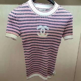 CHANEL - ピンクのニット半袖