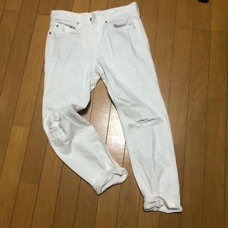 ジーユー(GU)のGU ユニクロ ホワイト ダメージ ジーンズ  デニム パンツ 67 L(カジュアルパンツ)