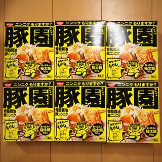ニッシンショクヒン(日清食品)の日清  豚園 ラーメン 背脂醤油豚ニンニク   6箱(インスタント食品)
