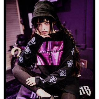 ミルクボーイ(MILKBOY)のKRY HOLO T  ブラック×パープル箔 新品未開封(Tシャツ/カットソー(七分/長袖))