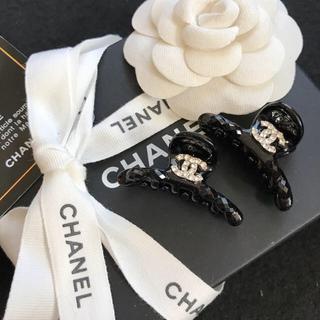 CHANEL - 【新入荷】CHANEL オシャレでチャーミングなミニヘアクリップ 2個セット♪