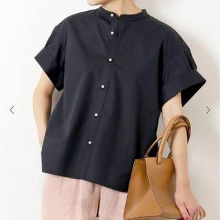Spick and Span - 新品 パールボタンタックスリーブシャツ
