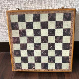 チェス盤と駒達(オセロ/チェス)