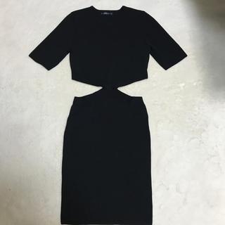 ザラ(ZARA)のZARA ブラック ワンピ(ひざ丈ワンピース)