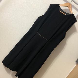 ザラ(ZARA)のZARA きれいめ ノースリーブ デザインワンピース 黒(ひざ丈ワンピース)