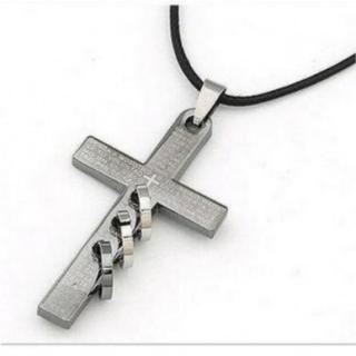 クロス型 メンズ ネックレス 十字架 リング ペンダント アクセサリー(ネックレス)