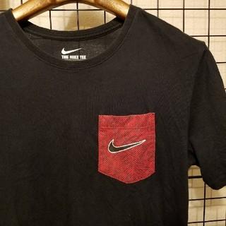 ナイキ(NIKE)のTHE NIKE TEE Swoosh ポケット付き 半袖カットソー/Tシャツ(Tシャツ/カットソー(七分/長袖))