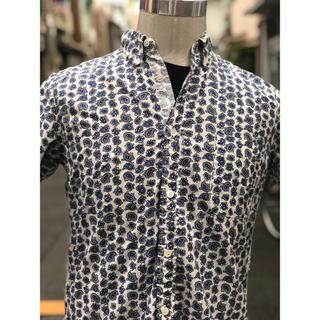 コムデギャルソン(COMME des GARCONS)の【美品】コムデギャルソンオム/XS/半袖裏地折り返しB.Dシャツ(シャツ)