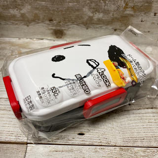 新品 送料込み スヌーピー 4点ロックランチボックス 530ml  お弁当箱 顔(弁当用品)
