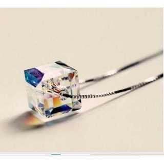 ネックレス キューブ オーロラ クリスタル スワロフスキー風 カラフル 9mm(ネックレス)