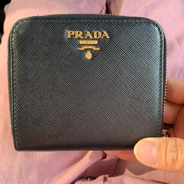 PRADA(プラダ)のPRADA サフィアーノ 二つ折財布 レディースのファッション小物(財布)の商品写真