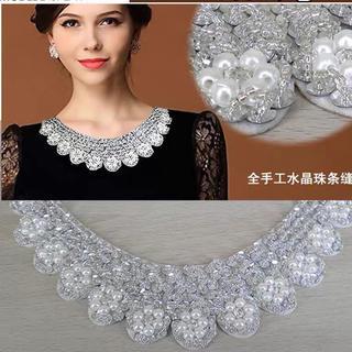 水晶珠付け襟 かなりきれいです。(つけ襟)