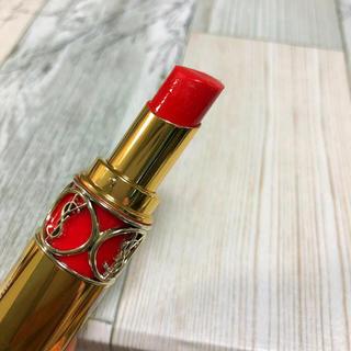 Yves Saint Laurent Beaute - イヴサンローラン ルージュ ヴォリュプテ シャイン 82 コーラル レッド