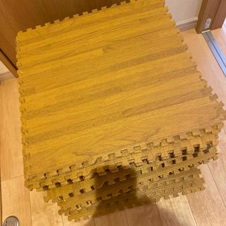 ニトリ(ニトリ)のニトリ ジョイントマット 32枚 大判 45×45 木目(フロアマット)