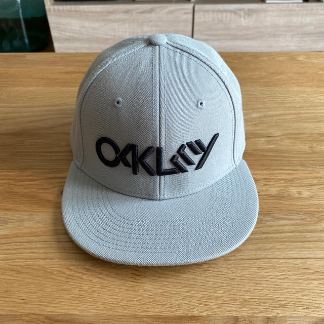 Oakley(オークリー)のキャップ メンズの帽子(キャップ)の商品写真