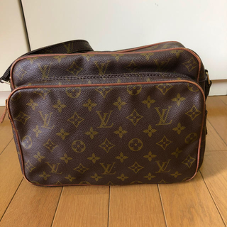 LOUIS VUITTON - LOUIS VUITTON