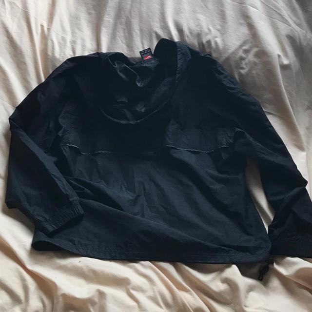 NIKE(ナイキ)のナイキ M 黒 ハーフジップ メンズのジャケット/アウター(ナイロンジャケット)の商品写真
