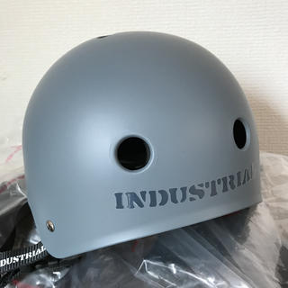 INDUSTRIAL インダストリアル ヘルメット 新品未使用品