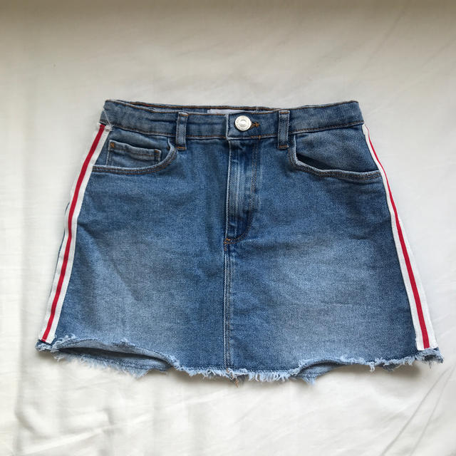 ZARA KIDS(ザラキッズ)のZARA kids デニムスカート ラインスカート キッズ/ベビー/マタニティのキッズ服女の子用(90cm~)(スカート)の商品写真