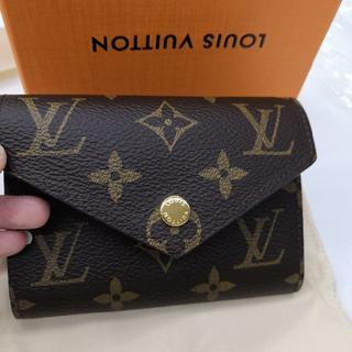 LOUIS VUITTON 折り財布