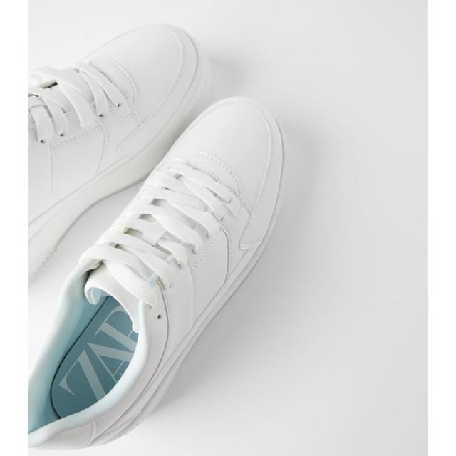 ZARA(ザラ)のセミクリアヒール 白スニーカー レディースの靴/シューズ(スニーカー)の商品写真