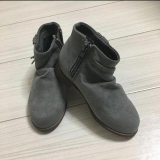 エイチアンドエム(H&M)のH&Mタッセル付きくしゅくしゅショートブーツ (ブーツ)