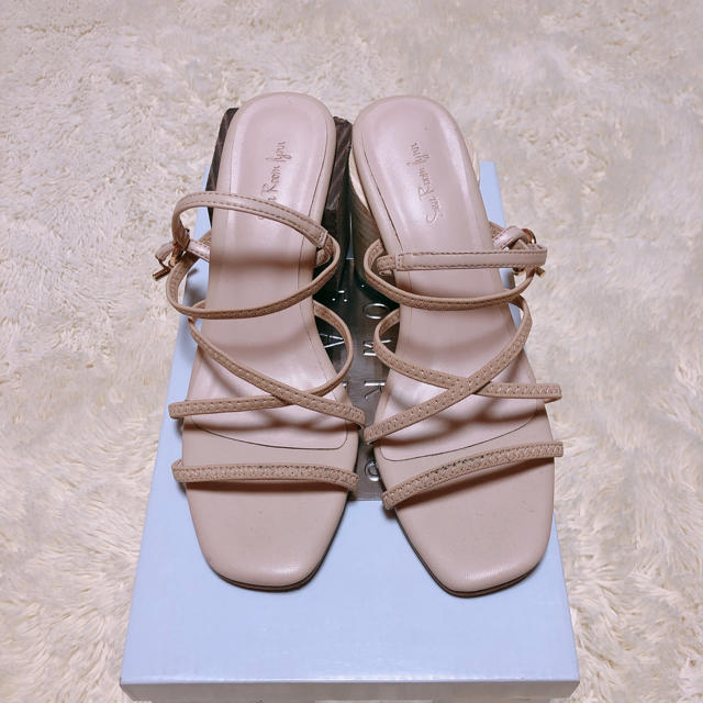 SeaRoomlynn(シールームリン)のシールームリン ベージュサンダル レディースの靴/シューズ(サンダル)の商品写真