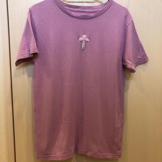SPINNS - 十字架 クロス 刺繍モチーフ Tシャツ 紫 パープル パステルカラー