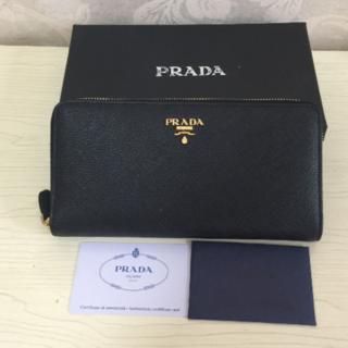 プラダ(PRADA)の【美品】PRADA  長財布 (長財布)