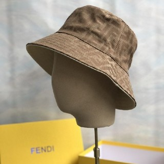 FENDI - 超人気 美品 FENDI キャップ