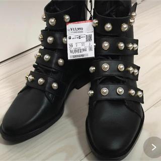 ZARA - 【新品】ZARA フェイクパール付き レザー アンクル ブーツ 39 ザラ