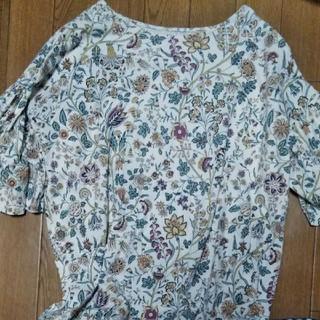 ユニクロTシャツ、レディース