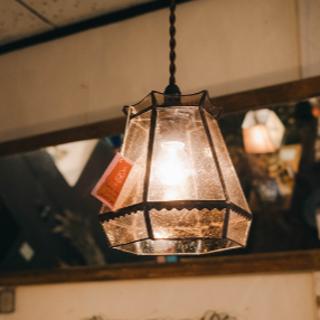 新品・未使用 ニド シーリングステンドグラスランプ(天井照明)