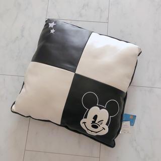 ディズニー(Disney)の新品未使用 ミッキー クッション(クッション)