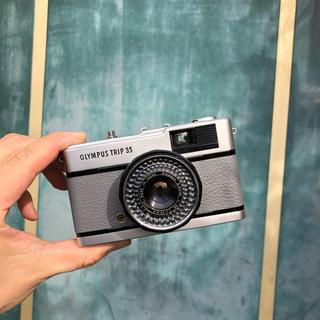 オリンパス(OLYMPUS)のOLYMPAS TRIP 35【grey】整備品、完動品、キャップ付(フィルムカメラ)