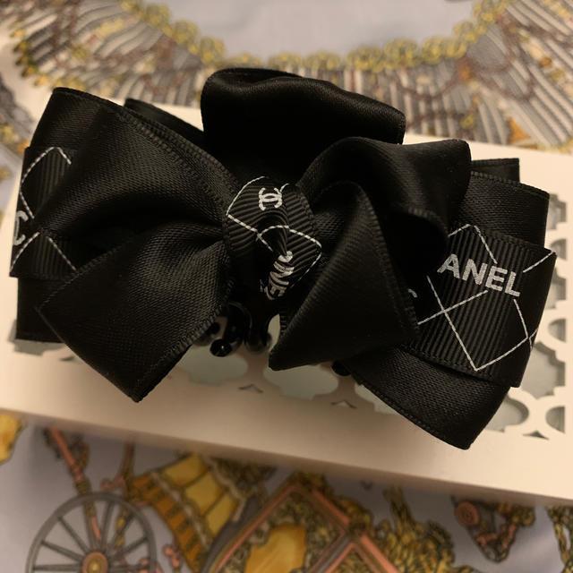 CHANEL(シャネル)のCHANEL リボン ヘアクリップ  バレッタ バナナクリップ 黒 レディースのヘアアクセサリー(バレッタ/ヘアクリップ)の商品写真