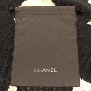 シャネル(CHANEL)のCHANEL ミニ巾着 ブラック きんちゃく(ポーチ)