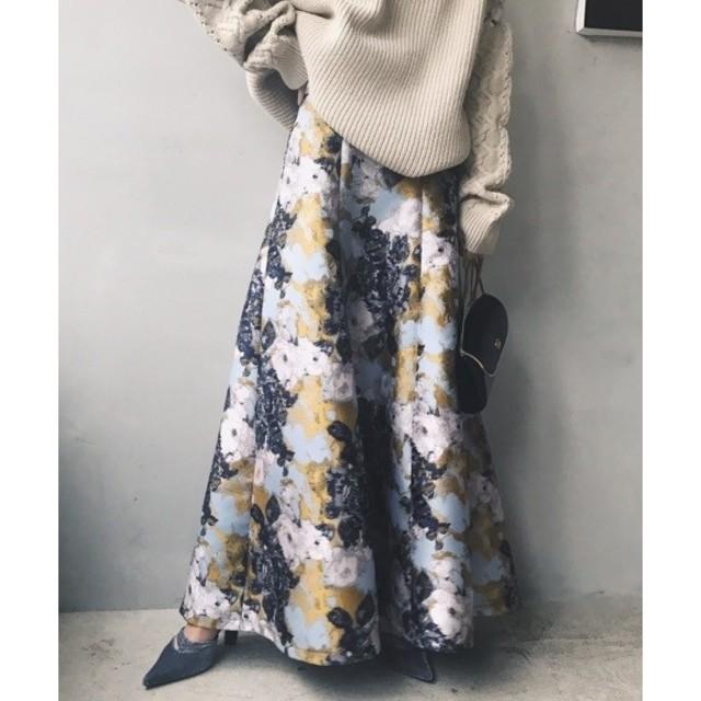 Ameri VINTAGE(アメリヴィンテージ)のアメリヴィンテージ ABSTRACT FLOWER MERMAID SKIRT レディースのスカート(ロングスカート)の商品写真