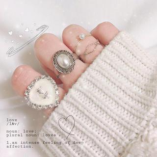 ロジータ(ROJITA)のミニハートビジューリング(ホワイト) 指輪 ハンドメイド(リング)
