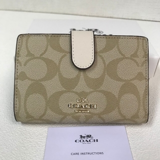 COACH - 新品未使用コーチCOACH上質レザー 二つ折り財布 カーキ×ホワイト