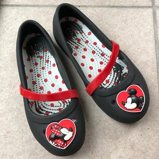 ディズニー(Disney)のcrocs kids   lina flat×Disney  ミッキー&ミニー(サンダル)
