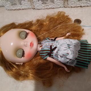 タカラトミー(Takara Tomy)のタイムアフターアリス 本体とスタンドと2枚のワンピース(人形)