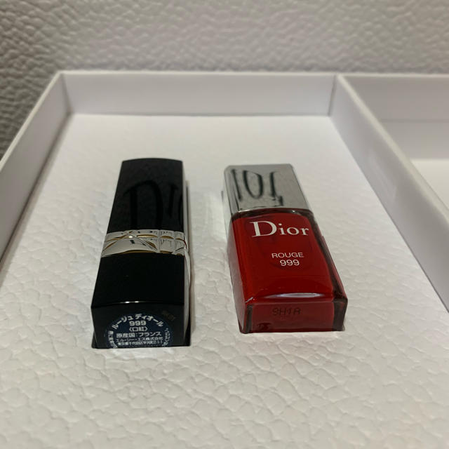 Dior(ディオール)の今週末までsale 新品未使用 Dior リップ&マニキュアセット コスメ/美容のベースメイク/化粧品(口紅)の商品写真