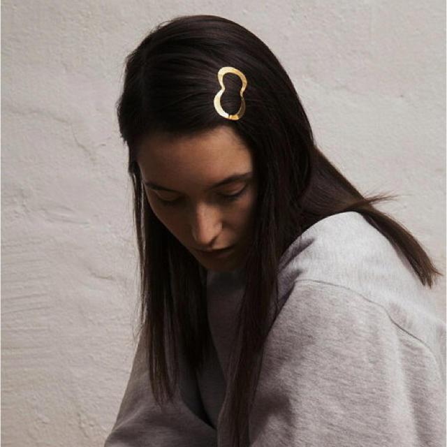 H.P.FRANCE(アッシュペーフランス)のCLINQ クリンク ヘアクリップ LINA GOLD レディースのヘアアクセサリー(バレッタ/ヘアクリップ)の商品写真
