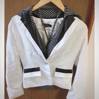 デイジーストア(dazzy store)のロイヤルチーパー ドレススーツ3点セット ホワイト(スーツ)