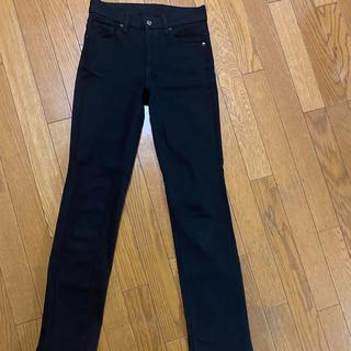 ユニクロ(UNIQLO)のユニクロ レディース 24インチ ブラック レギュラーフィット パンツ(デニム/ジーンズ)