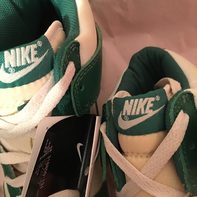 NIKE(ナイキ)のNike Dunk Vintage ダンク セルティックス 白緑OG SB 希少 メンズの靴/シューズ(スニーカー)の商品写真